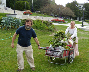 Glenn & Joanne with the State House harvest
